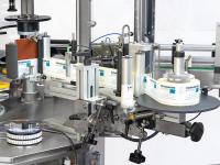 gruppi di distribuzione etichette autoadesive montati direttamente sulla macchina (inseriti o rimossi a seconda delle esigenze di produzione)